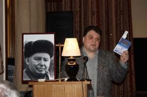 Соколкин ведёт вечер поэта Николая Тряпкина в ЦДЛ