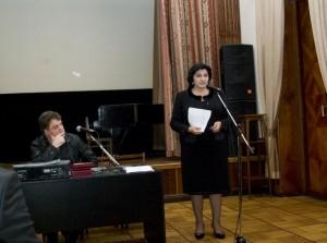 Выступает Народный писатель Ингушетии, Вице-Премьер Правительства РИ, Раиса Дидигова