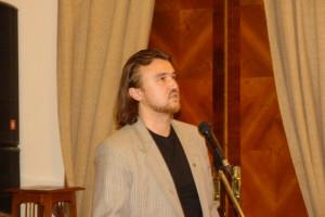 У микрофона Секретарь СП России, поэт, Алексей Шорохов