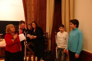 Награждение детей проводят Лола Звонарева, Марина Рыбак и Ольга Журавлева