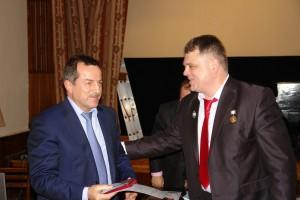 Вручение награды Руслану Курбанову