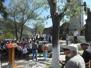 Торжественный митинг со школьниками и ветеранами