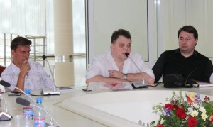 Круглый стол. Александр Ананичев, Сергей Соколкин, Алексей Полубота