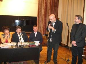Братья-сербы с приветственным словом