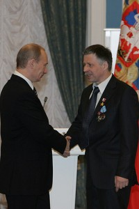 Vladimir_Putin_21_February_2008-11[1]