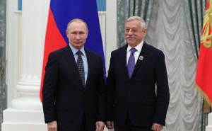 Vladimir_Putin_and_Vladimir_Grammatikov_(2017-03-24)[2]